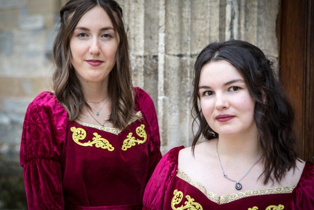 Portraits des hôtesses en tenue Renaissance