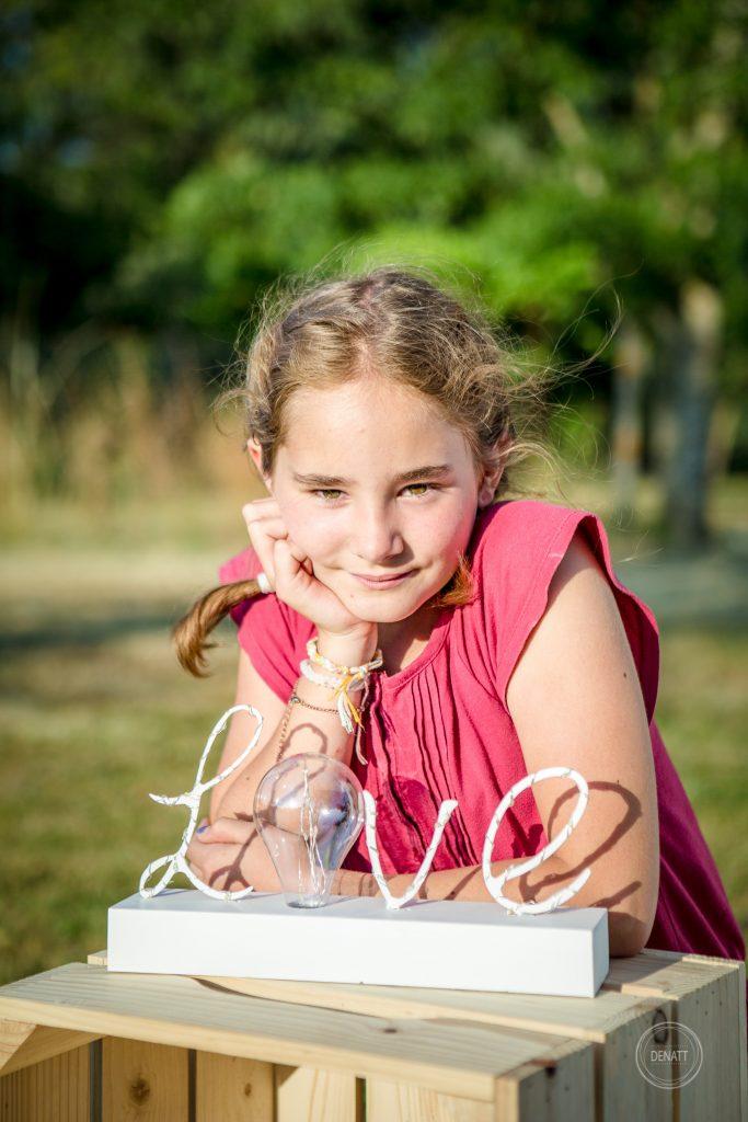 Portrait jeune fille campagne