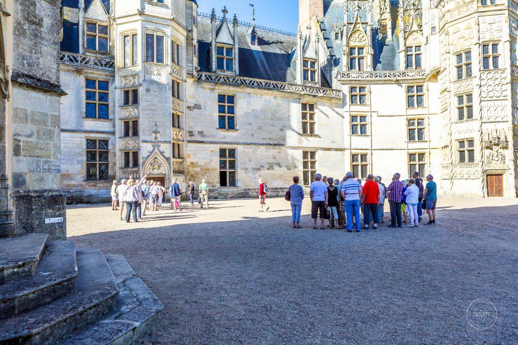 Visite groupée cour du château de Meillant