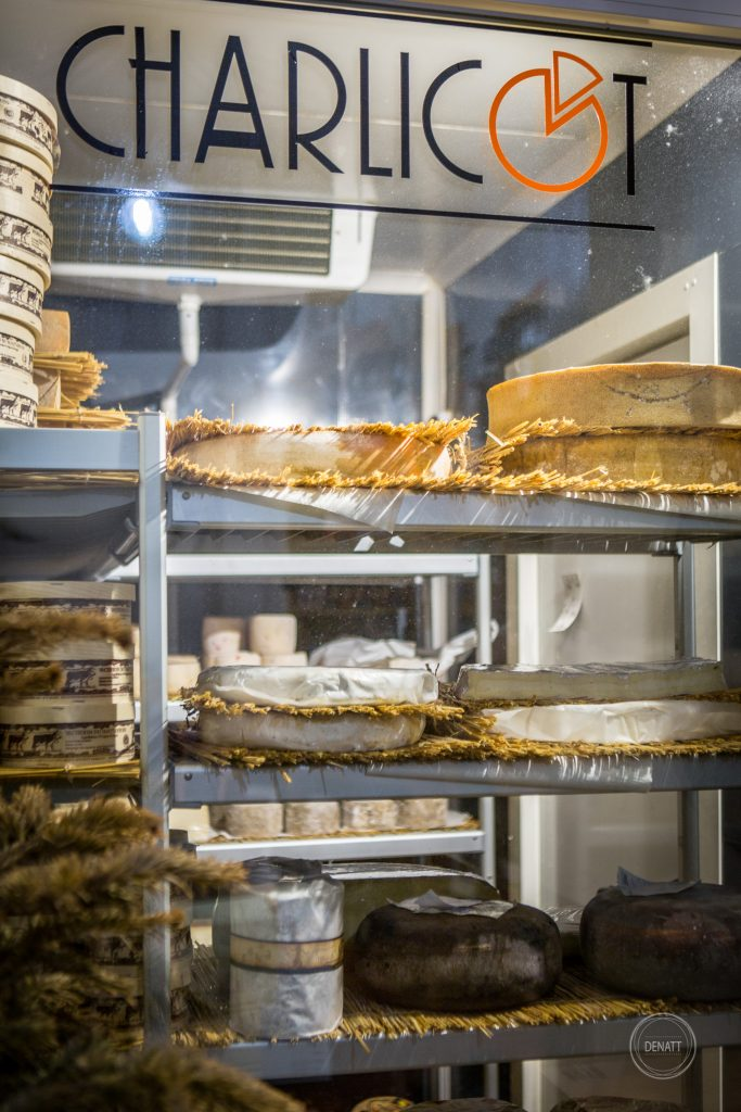 Photo métier pour Charlicot fromagerie à Paris et la cave d'affinage