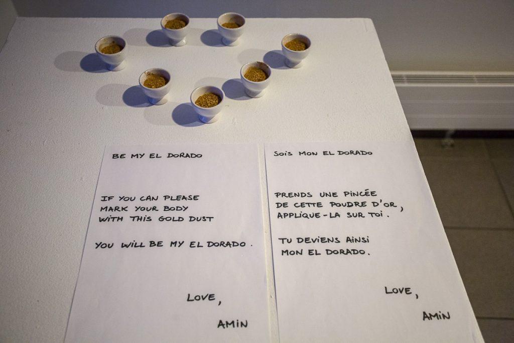 Invitation à se poudrer d'or par Amin Gulgee à la cité internationale des arts à Paris © Nathalie Tiennot